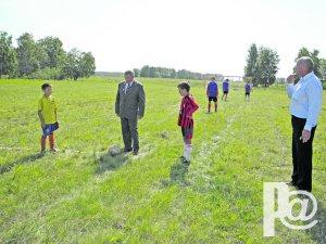 Круглый мяч, ворота, поле – вот футбольное раздолье!