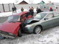 «Тойота Камри» протаранила «четверку»: пострадали люди и манекены