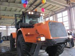 С конвейера ТТЗ сошел первый трактор (видео)