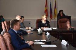 Обсудили стратегию социально-экономического развития