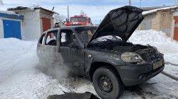 Автомобиль чуть не взорвался во время пожара