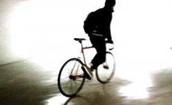 Житель Троицка угнал велосипед с парковки и был задержан