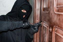Вора-рецидивиста отправили в колонию за несколько краж