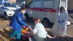 В центре города под колёса автобуса попала пожилая женщина