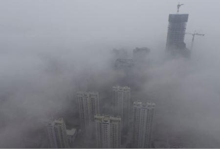Дым от екатеринбургских торфяников достиг Челябинской области